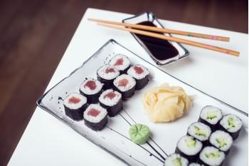 Maki Sushi Avokádo + Maki Sushi Tuňák