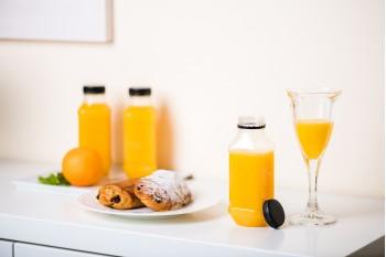 Mix čerstvého pomerančového džusu a čerstvé domácí limonády